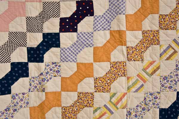 G-BOW TIE QUILT